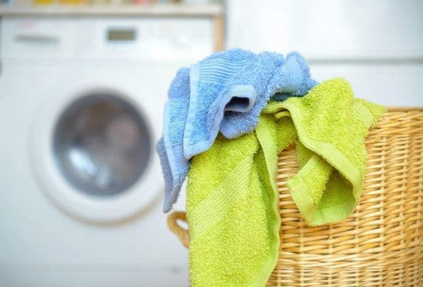 can you wash sheets with towels